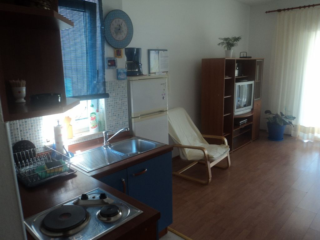 Apartmani COLOR, A2+2, 21 335 Brist