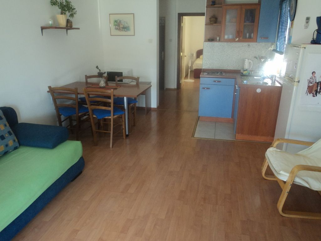 Apartmani COLOR, 21 335 Brist